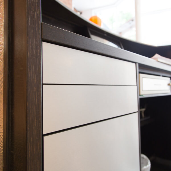 High-End Push-To-Open Drawers